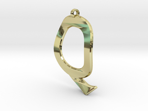 Distorted letter Q in 18k Gold Plated Brass