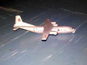 1/300 Antonov AN 12 in White Strong & Flexible