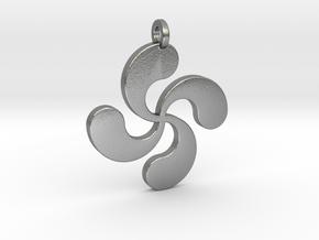 Lauburu pendant in Natural Silver