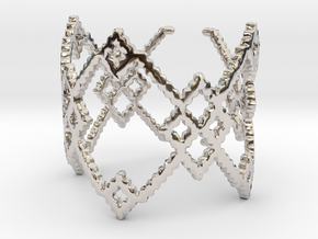 M and W Ring Size 8 in Rhodium Plated Brass