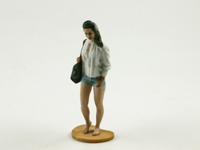 Shopping lady in Full Color Sandstone