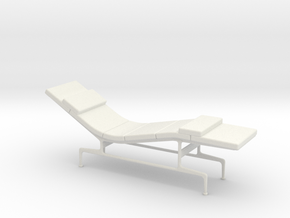 Miniature Eames Chaise - Charles & Ray Eames in White Natural Versatile Plastic: 1:12
