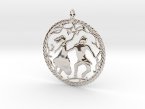 Beautiful vintage style pendant in Platinum
