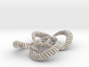 Symmetrical knot (Rope with detail) in Rhodium Plated Brass: Medium