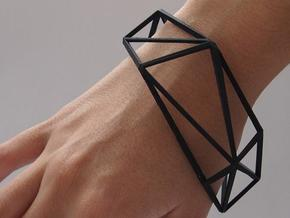 Comion closed bacelet in Black Natural Versatile Plastic