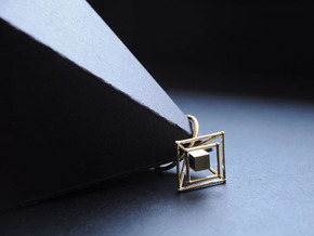Levitating cube size 50 in Natural Brass