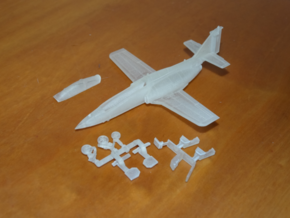 040A CASA C-101 Aviojet 1/144 in Smooth Fine Detail Plastic