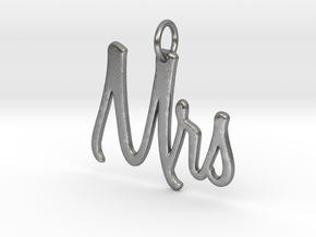 Mrs Pendant in Natural Silver