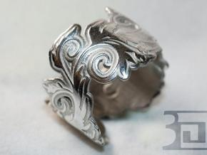 Blossom ring in Polished Silver