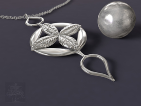 Four Leaf Clover Pendant in Polished Silver