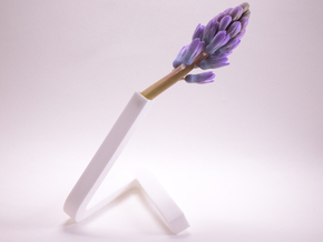 little triangle vase. r-section in White Processed Versatile Plastic
