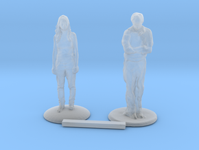 O Scale People Standing 2 in Smooth Fine Detail Plastic