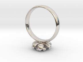 Flower Ring in Platinum
