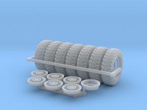 1/48 British Tire 1400x20 Set002 in Smooth Fine Detail Plastic