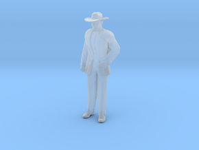 Man Standing: Suit and Hat in Smooth Fine Detail Plastic: 1:48 - O