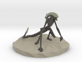 Xenomorph/Alien Low Poly Figurine in Natural Full Color Sandstone