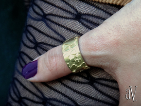 Heart Pieces Ring in Natural Brass: 8 / 56.75
