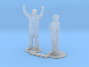 S Scale Standing People 5 in Smooth Fine Detail Plastic