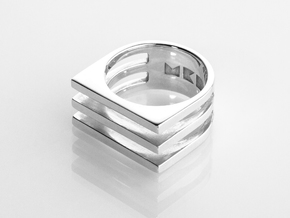 Ring - Triniti in Fine Detail Polished Silver: 6 / 51.5