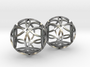 flower earrings in Natural Silver