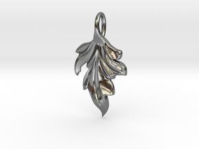 Woodland Wonders Leaf Charm in Polished Silver