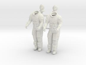 APOLLO LEM Astronauts in White Natural Versatile Plastic: 1:24