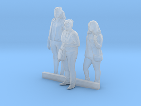 HO Scale Standing Women 7 in Smooth Fine Detail Plastic