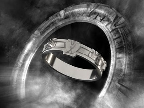 Stargate Ring S in Polished Silver: 10 / 61.5