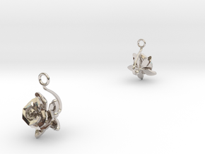 Rose earring with one small flower II in Rhodium Plated Brass