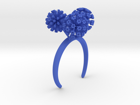 Garlic bracelet with three large flowers in Blue Processed Versatile Plastic: Medium