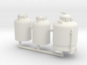 1/50th Paint Striping Tanks, 1 large, 2 small in White Natural Versatile Plastic