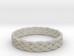 Hieno Delicate Celtic Knot Size 5 in Natural Sandstone