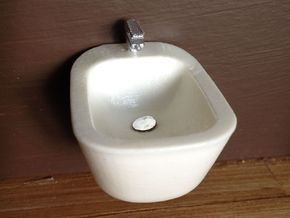 1:12 Bidet with tap, wall-mounted in White Processed Versatile Plastic