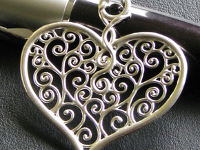 Heart Filigree Pendant in Polished Silver