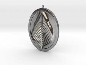 Natural Leaf Beauty Pendant  in Polished Silver