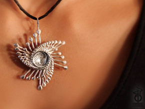 Spinnoloids trio pendant 4.2cm in Polished Silver