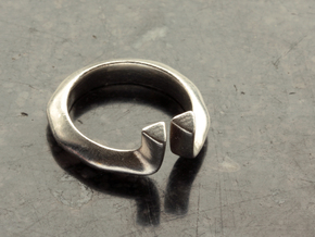 Diverto Ring in Natural Silver