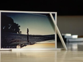 """Photo Slide Stand for 4""""x6"""" Images in White Natural Versatile Plastic"""