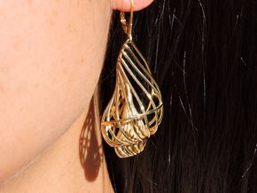 Seashell Earrings in Polished Brass