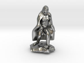 Halfling Rogue in Cape with two Daggers in Natural Silver
