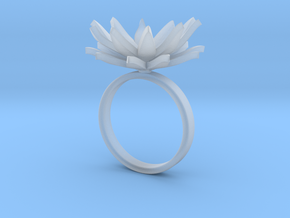 Daisy Ring Size M in Smooth Fine Detail Plastic