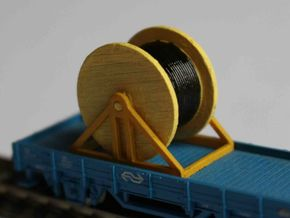 N Scale Cable Reel (Full) On Stand in Smooth Fine Detail Plastic