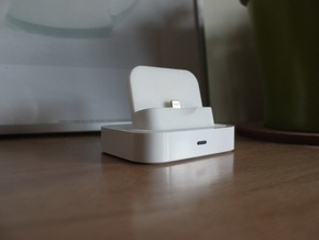 iPhone 5/5s/6 Lightning Adapter for Universal Dock in White Natural Versatile Plastic