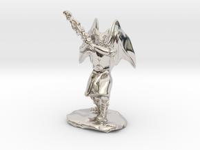 Dragonborn Duskblade in Robe with Greatsword in Platinum