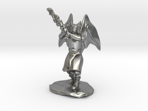 Dragonborn Duskblade in Robe with Greatsword in Natural Silver