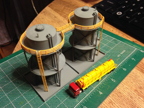 Double Storage Tanks Z Scale in Frosted Ultra Detail