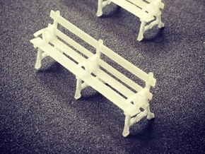 Four station benches (HO) in Frosted Ultra Detail
