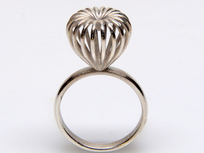 Infinite Love Ring Size 7 in Polished Silver