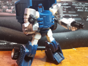 """MtMtE"" Tubes head in Frosted Ultra Detail"