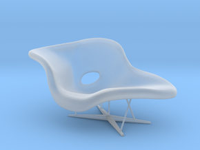 Eames La Chaise 1:24 in Smooth Fine Detail Plastic